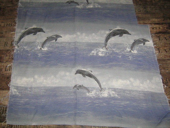 tissus dauphin en troc